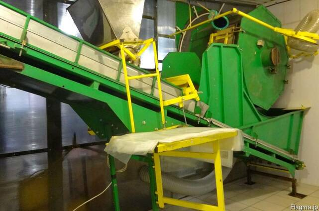 Equipment for industrial production of mushrooms